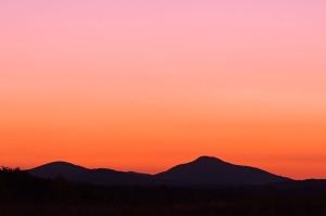 20061015213136__mg_3699-sunrise-mountains1-cr2-s